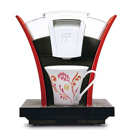 Machine à thé Spécial T. par Nestlé