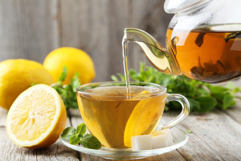 Infusion Thym & Citron - Versée dans la tasse