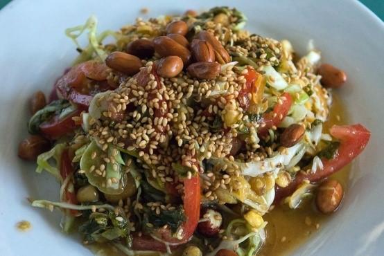 Une salade de thé vert en Birmanie